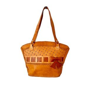 Vntg Tooled Leather Tote Bag Bow Shell Shape Tan